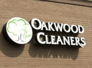 Oakwood The Greener Cleaner - gown care photo