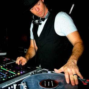 Dj Cutting Edge Entertainment
